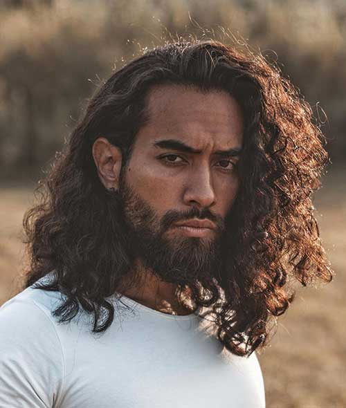 curly long hairstyle for men 5