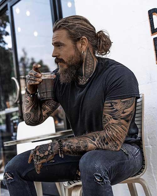 long men hairstyles man bun 5