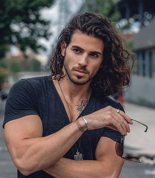 wavy long hairstyle for men 2