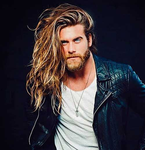 wavy long hairstyle for men 4
