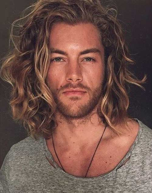 wavy long hairstyle for men 5