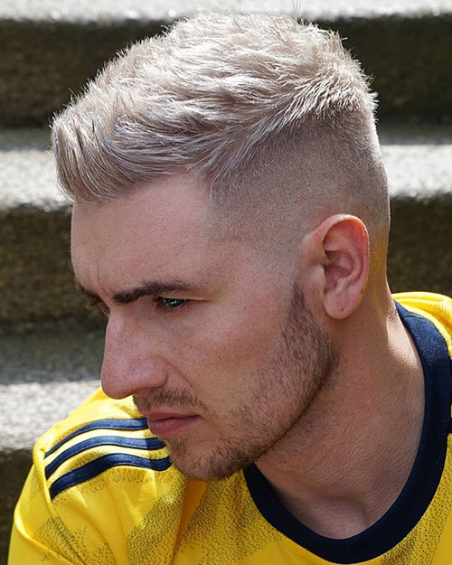 blonde hairstyles for men 49