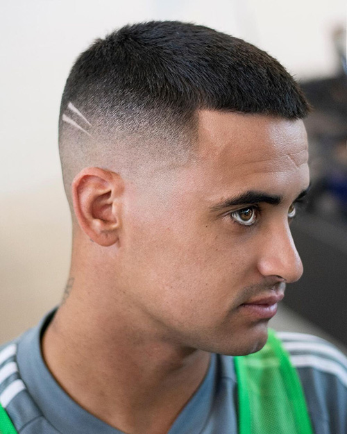 haircuts for men with round faces 42